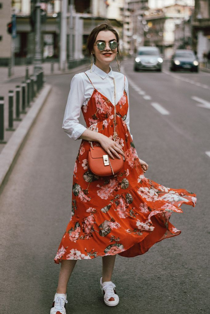 How to wear a midi floral dress and sneakers
