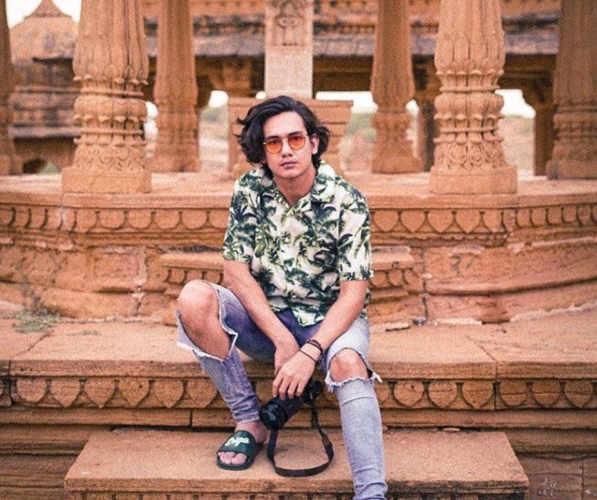 Inspirasi Fashion Aktor Adipati Dolken